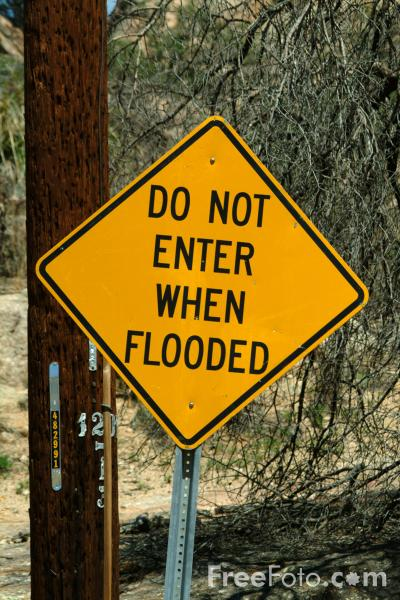 Picture of Do not enter when flooded sign - Free Pictures - FreeFoto.com