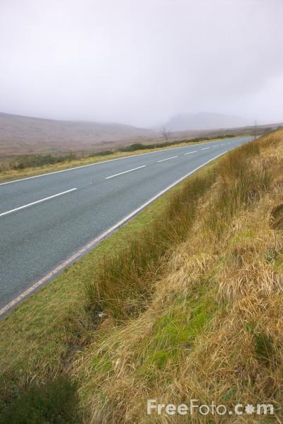 Picture of A4086 road in Snowdonia, North Wales - Free Pictures - FreeFoto.com