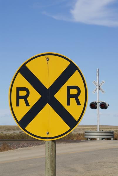 Picture of Railroad Grade Crossing Sign - Free Pictures - FreeFoto.com