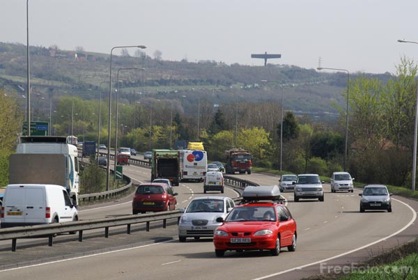 Picture of Dual carriageway road - Free Pictures - FreeFoto.com
