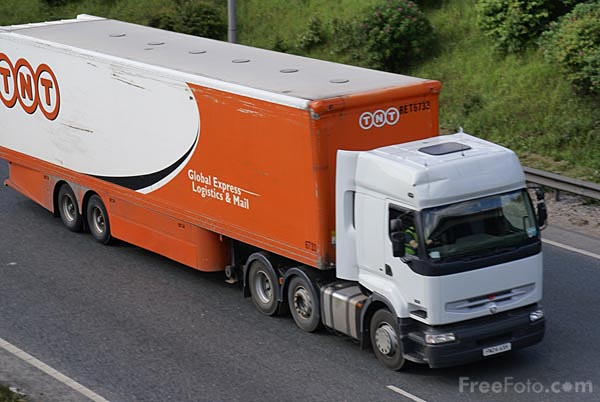 Picture of TNT Articulated lorry - Free Pictures - FreeFoto.com