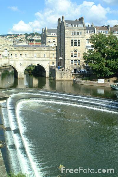 Picture of Pulteney Bridge, Bath - Free Pictures - FreeFoto.com