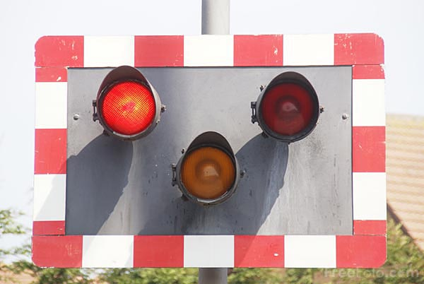 Picture of Railway level crossing - Free Pictures - FreeFoto.com