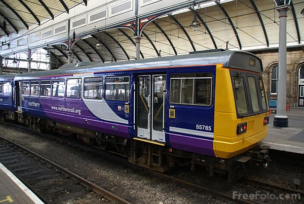 Picture of Northern Rail DMU - Free Pictures - FreeFoto.com