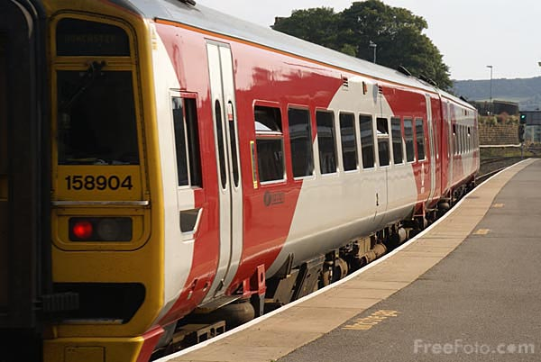 Picture of Metro Northern Rail Class 158 DMU - Free Pictures - FreeFoto.com