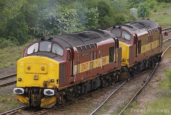 Picture of EWS Class 37 37417 and 37401 - Free Pictures - FreeFoto.com