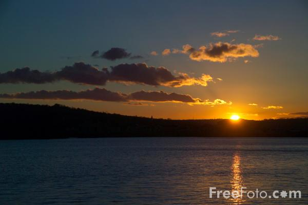 Picture of Sunset, River Tyne, - Free Pictures - FreeFoto.com