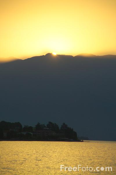 Picture of Sunrise, Lake Garda, Italy - Free Pictures - FreeFoto.com