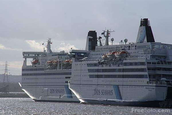 Picture of DFDS ferries - Free Pictures - FreeFoto.com