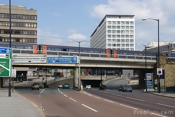 Picture of City Centre Traffic - Free Pictures - FreeFoto.com