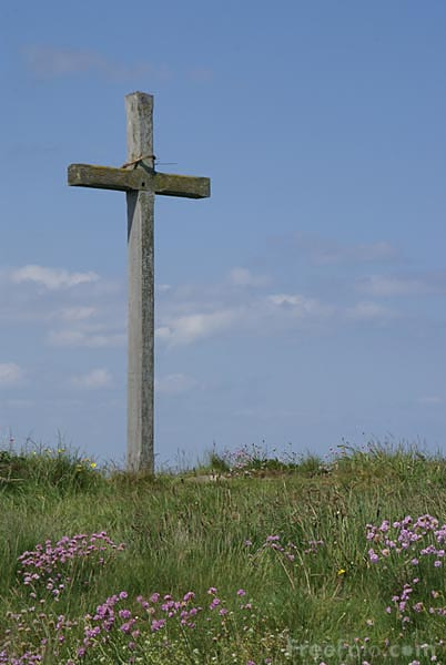 Picture of Wooden Christian Cross - Free Pictures - FreeFoto.com