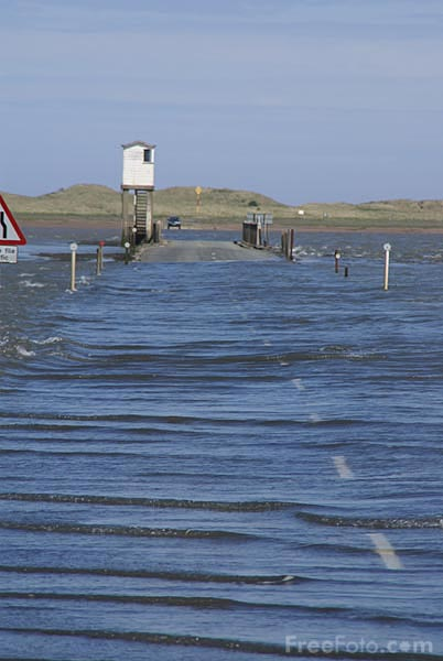 Picture of Holy Island Causeway - Free Pictures - FreeFoto.com