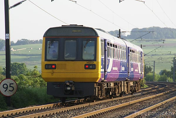 Picture of Northern Rail Class 142 Pacer - Free Pictures - FreeFoto.com