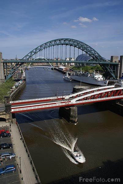 Picture of The Tyne Bridge - Free Pictures - FreeFoto.com