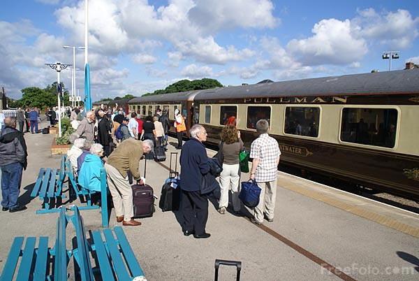 Picture of The Saltburn Hebridian Pullman Luxury Excursion - Free Pictures - FreeFoto.com