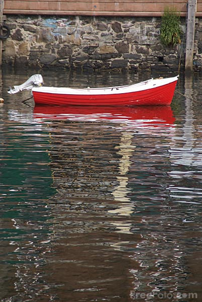 Picture of Red Rowing Boat - Free Pictures - FreeFoto.com