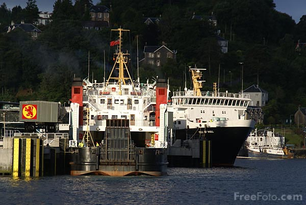 Picture of Caledonian MacBrayne ferry terminal at Oban - Free Pictures - FreeFoto.com