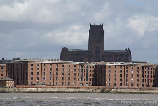 Picture of The Albert Dock, Liverpool - Free Pictures - FreeFoto.com