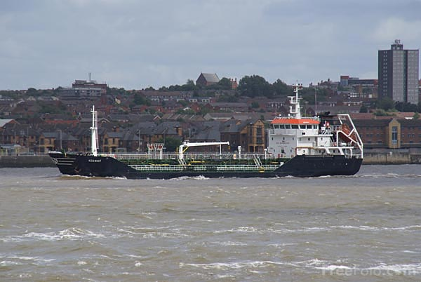 Picture of Oil Tanker Keewhit on the River Mersey - Free Pictures - FreeFoto.com