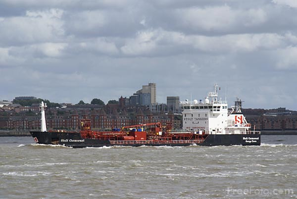 Picture of Chemical Tanker Stolt Cormorant on the River Mersey - Free Pictures - FreeFoto.com