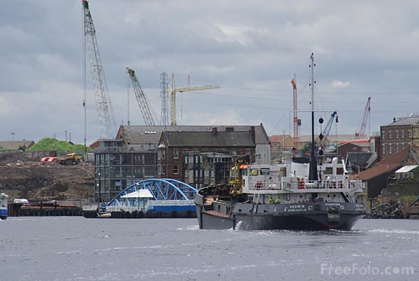 Picture of River Tyne North Shields - Free Pictures - FreeFoto.com