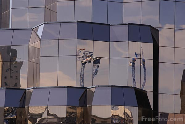 Picture of Quay West building, Salford Quays - Free Pictures - FreeFoto.com
