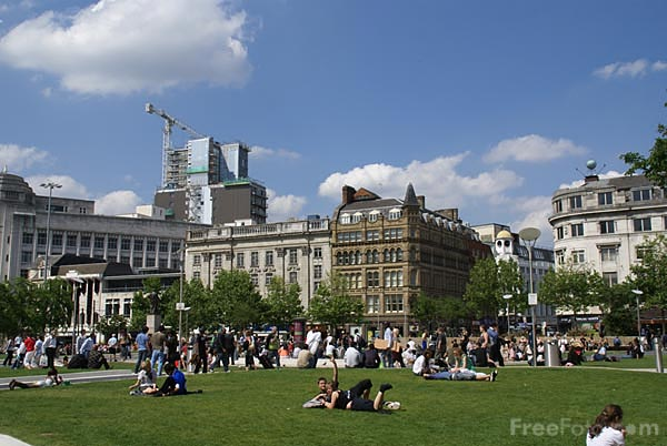 Picture of Piccadilly Gardens - Free Pictures - FreeFoto.com