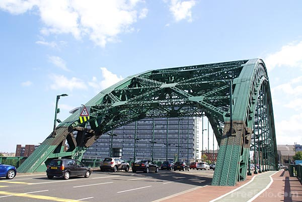 Picture of Wearmouth Bridge, Sunderland - Free Pictures - FreeFoto.com
