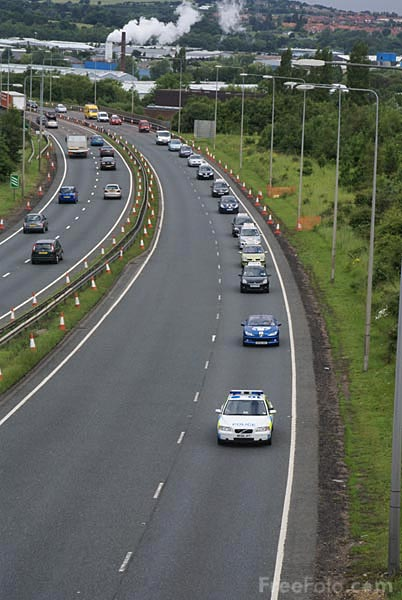 Picture of Convoy in protest at fuel prices - Free Pictures - FreeFoto.com