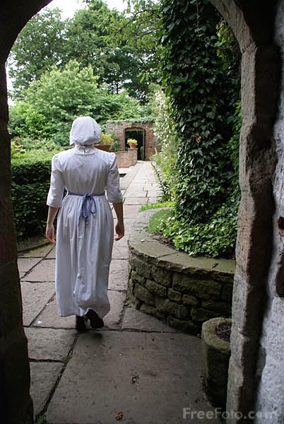 Picture of Parlour Maid, Pockerley Manor, Beamish Museum - Free Pictures - FreeFoto.com