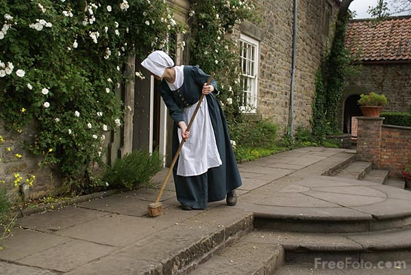 Picture of Parlour Maid at Pockerley Manor, Beamish Museum. - Free Pictures - FreeFoto.com