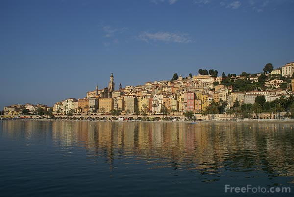 Picture of The old town of Menton, France - Free Pictures - FreeFoto.com