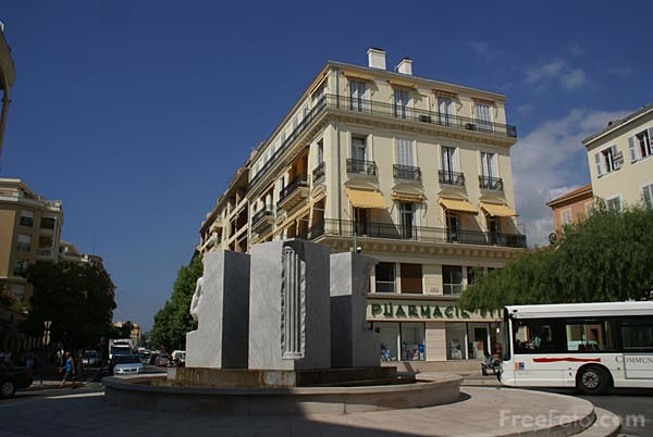 Picture of Marble sculpture, Menton - Free Pictures - FreeFoto.com