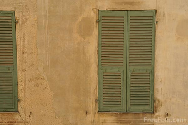 Picture of Shuttered Window. Menton old town - Free Pictures - FreeFoto.com