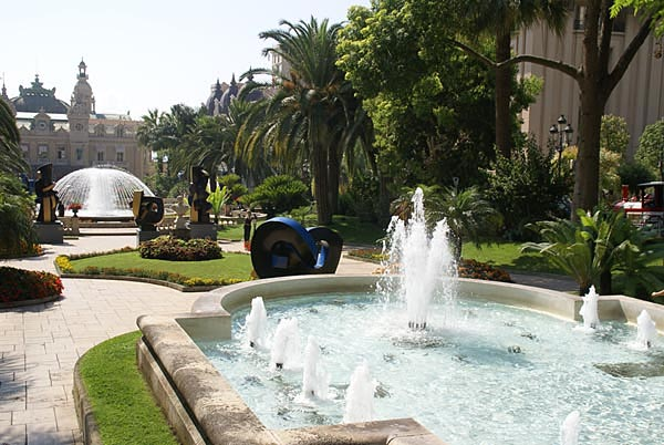 Picture of Fountain, Casino Gardens, Monte Carlo - Free Pictures - FreeFoto.com