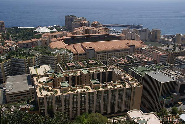 Picture of Office building and road traffic, Monaco - Free Pictures - FreeFoto.com