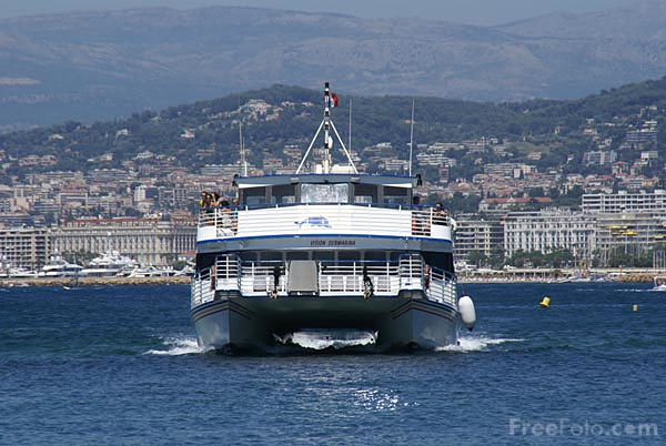 Picture of Ferry to �le Sainte-Marguerite,Cannes - Free Pictures - FreeFoto.com