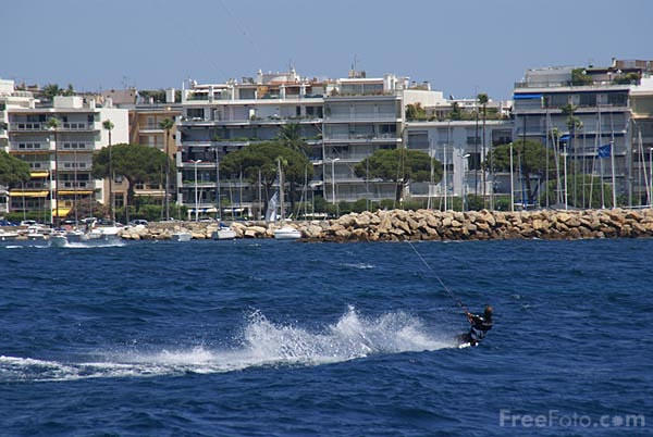 Picture of Para-surfing, Cannes - Free Pictures - FreeFoto.com