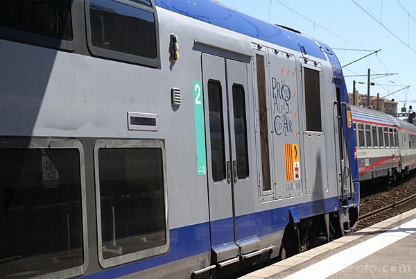 Picture of SNCF regional train - Free Pictures - FreeFoto.com