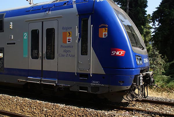 Picture of SNCF regional train double deck EMU - Free Pictures - FreeFoto.com
