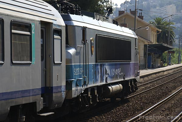 Picture of SNCF BB 522308 electric locomotive - Free Pictures - FreeFoto.com