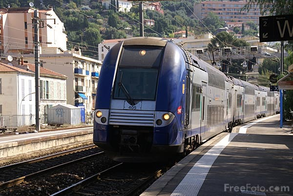 Picture of SNCF regional EMU - Free Pictures - FreeFoto.com