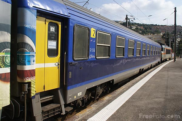 Picture of SNCF BoBo electric 22324 - Free Pictures - FreeFoto.com