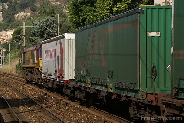 Picture of Euro Cargo Rail Intermodal train - Free Pictures - FreeFoto.com