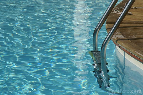 Picture of Swimming Pool - Free Pictures - FreeFoto.com