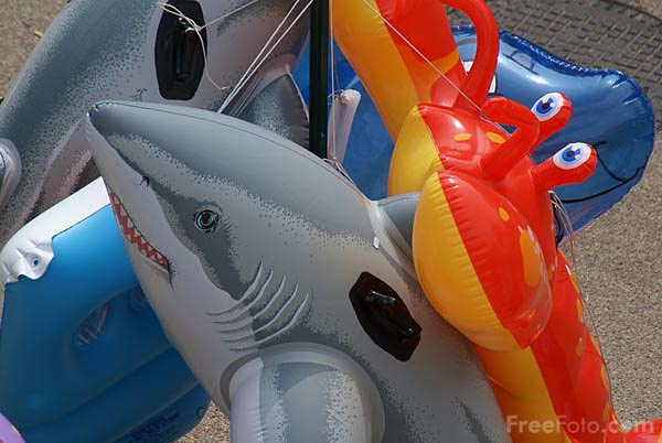 Picture of seaside toys - Free Pictures - FreeFoto.com