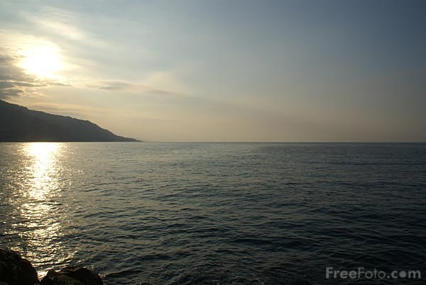Picture of Sunlight on the Mediterranean Sea - Free Pictures - FreeFoto.com