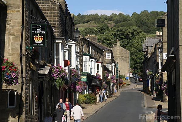 Picture of Pateley Bridge main street - Free Pictures - FreeFoto.com
