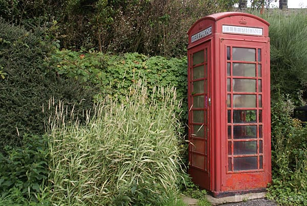 Picture of Red telephone box, Middlesmoor - Free Pictures - FreeFoto.com
