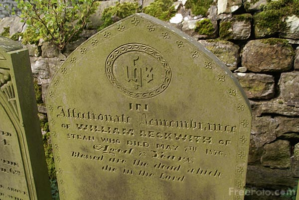 Picture of Church Graveyard, St Chad's church at Middlesmoor - Free Pictures - FreeFoto.com